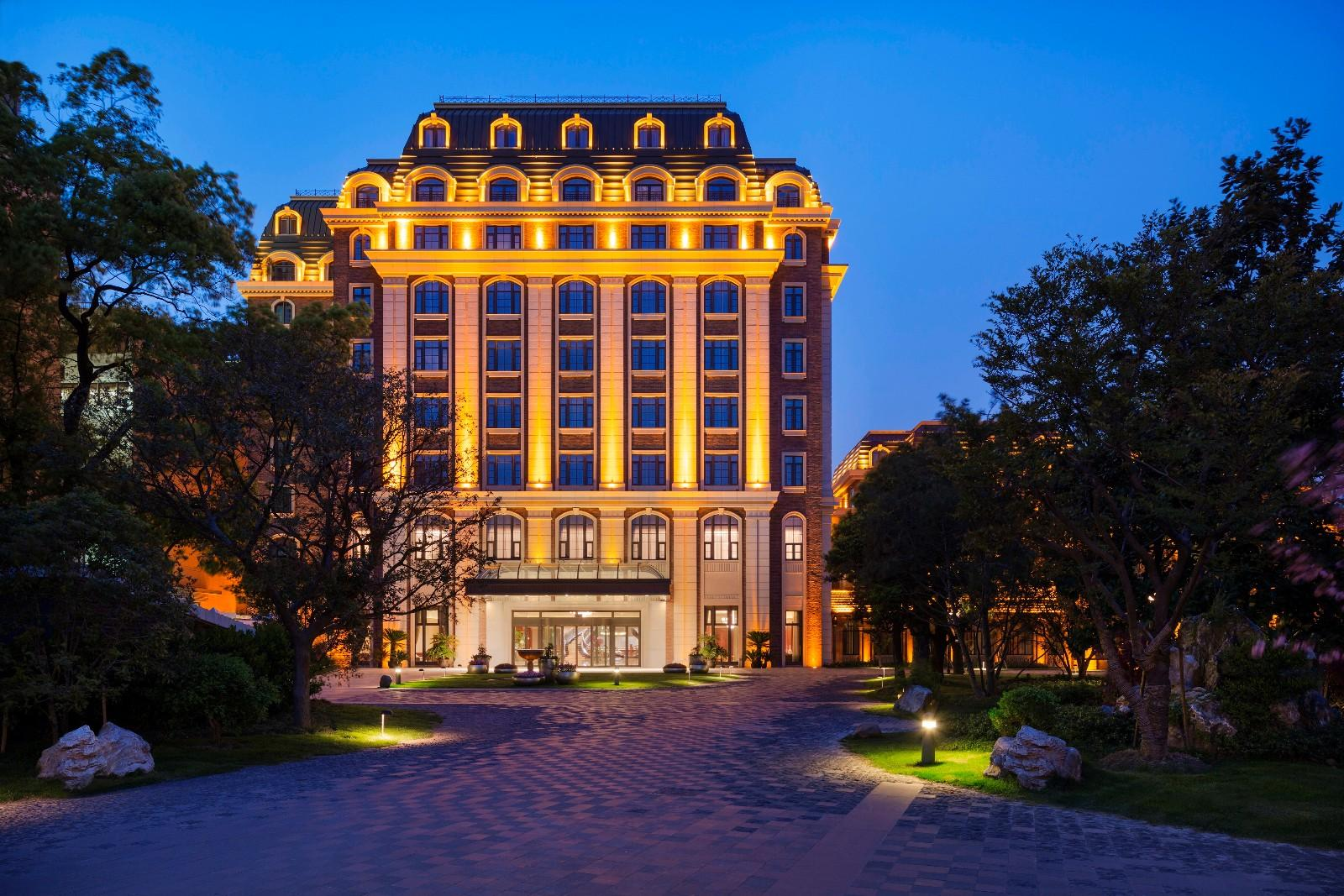 intercontinental hotel group essay As leader of the global it service support organization for intercontinental  hotels group (ihg®) – a world-renowned hotel company that.